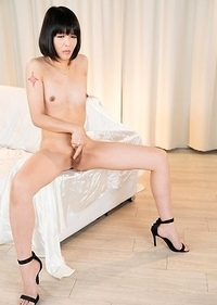 Yoko Multiples Orgasms and Squirt Masturbation