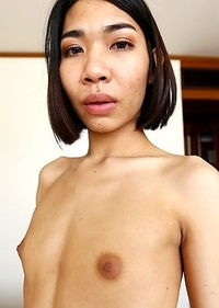 22yo Thai ladyboy Tuituy sucks off a big white tourist cock