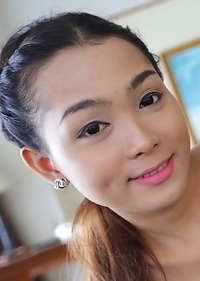 Thai ladyboy Samy studying in Bangkok fucked by white tourist