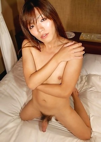 Yuu has a killer body that earns her popularity at the prestigious Tokyo-based escort agency she works for.