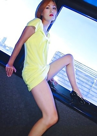 Ayu has a body that rivals a run-way model, and looks as trendy as one too.