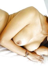 19 year old shy Thai ladyboy Tontan with big boobs sucks off white tourist