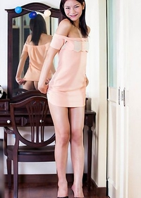 Pon is a sexy slim tgirl with legs that go on forever!