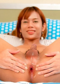Thai Ladyboy Zara - Flower Sheet Finger Fuck