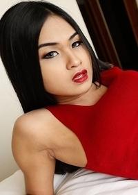 Stunning 19yo Thai ladyboy Pop gets her fill of white cock