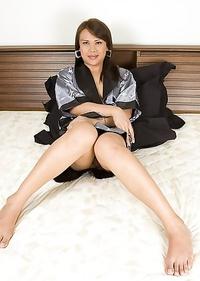 Big booty Ladyboy Dao strokes her cock in a kimono